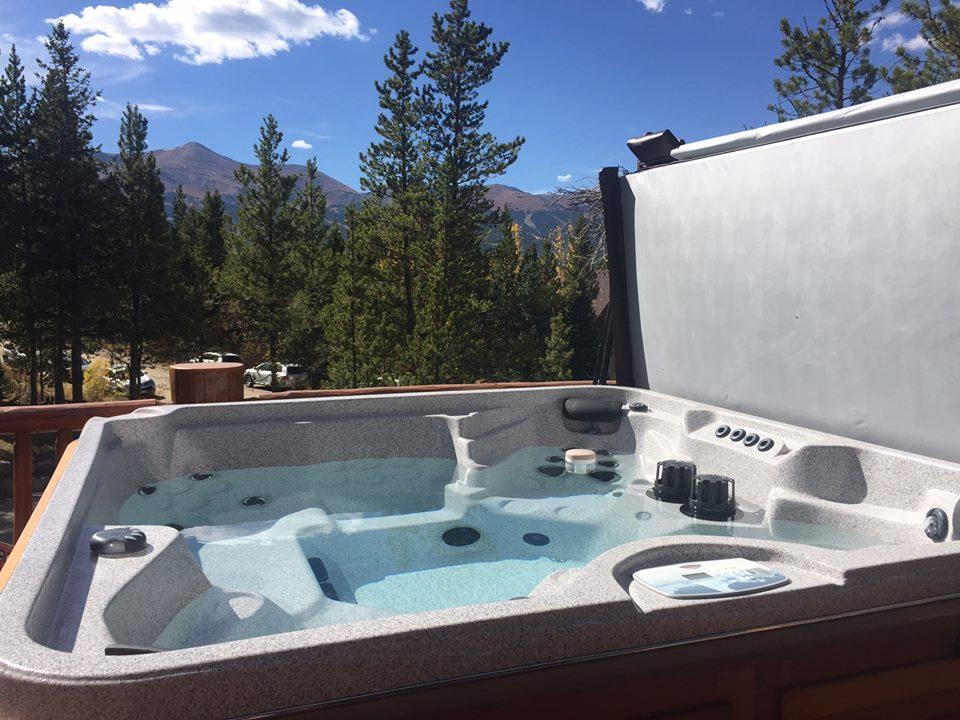 Prefabricated Hot Tubs